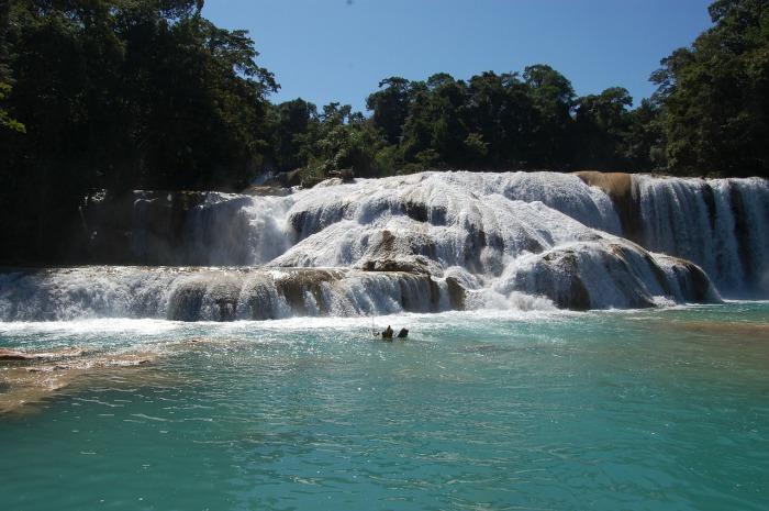waterfall-169062_1280