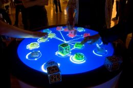 1200px-Reactable_Multitouch