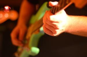 electric-guitar-566096_1280