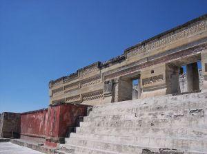 1200px-BestConservedBuilding-Mitla-Oaxaca-Mexico