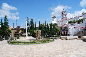 1200px-PlazaChurchIxtapan
