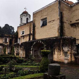 900px-campanario_desde_el_claustro_del_ex_convento_del_desierto_de_los_leones