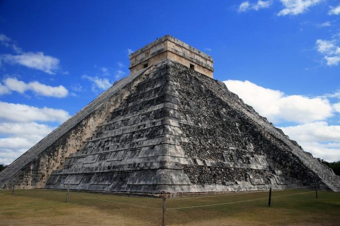 pyramid-931742_1280.jpg