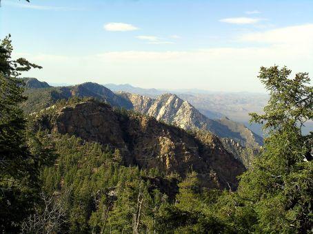 1200px-Mountains02-Sierra_SanPedroMartir-BajaCalifornia-Mexico